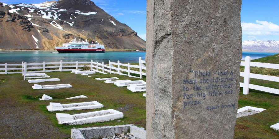 Shackleton-grave_tim-hart.JPG