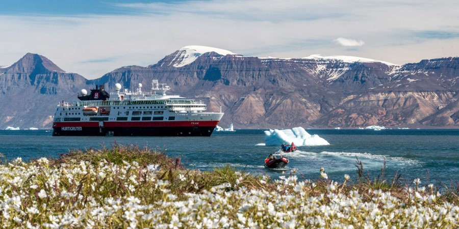 MS-Fram-tenderboats-and-flowers-Qullissat-Greenland-HGR-113786-Andrea-Klassner.jpg